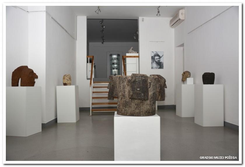 Branko Ru�i� - izlo�ba skulptura